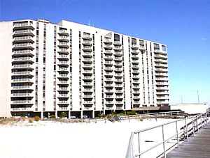 Gardens Plaza Condominiums